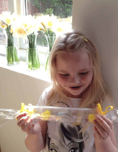 Easter crackers